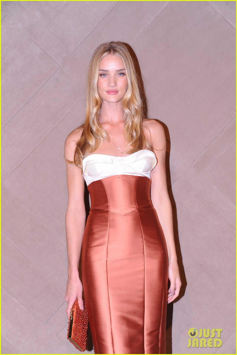 rosie huntington whiteley burberry store opening 012749897