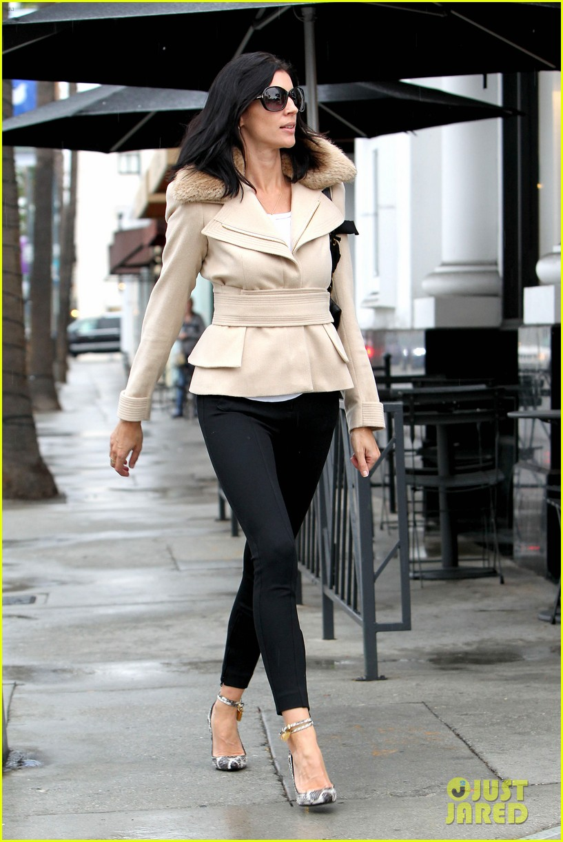 liberty ross retail therapy in beverly hills 11