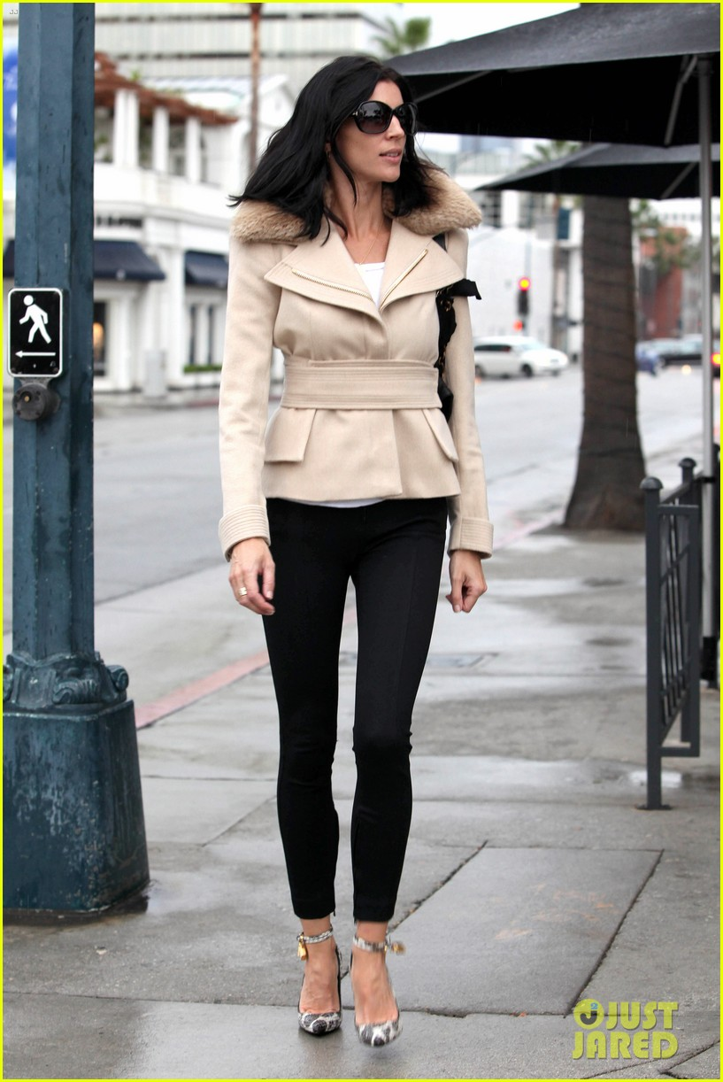 liberty ross retail therapy in beverly hills 202753875