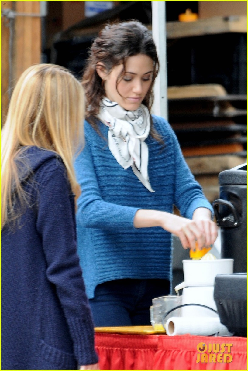 emmy rossum thanksgiving scene for youre not you 012759856