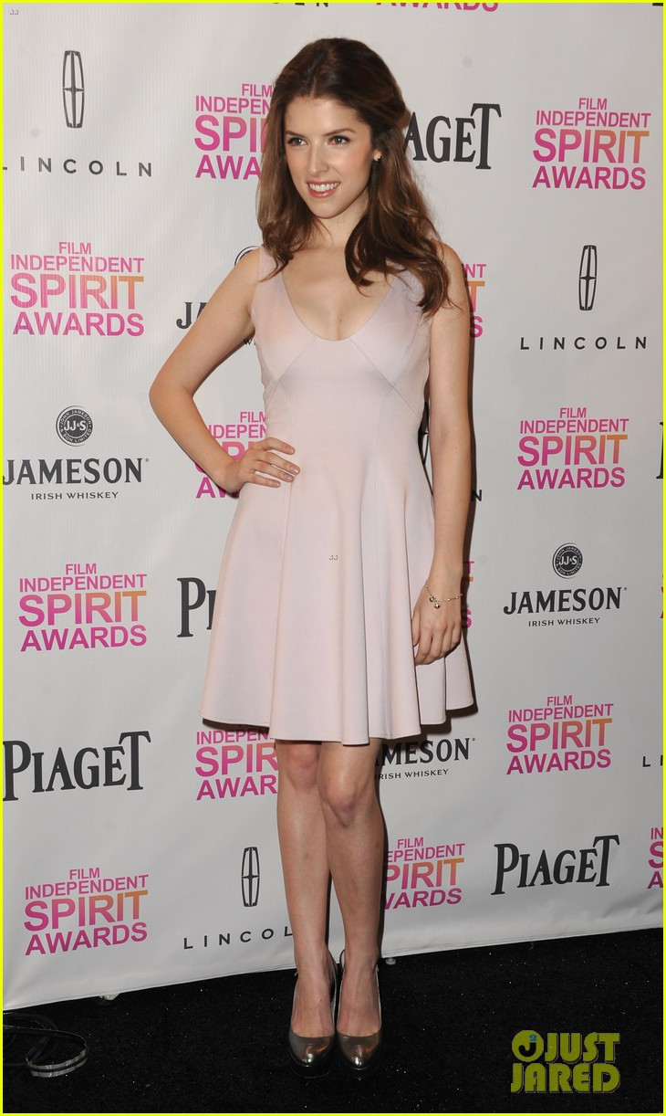 zoe saldana anna kendrick announce spirit awards nominations 2013 122764716