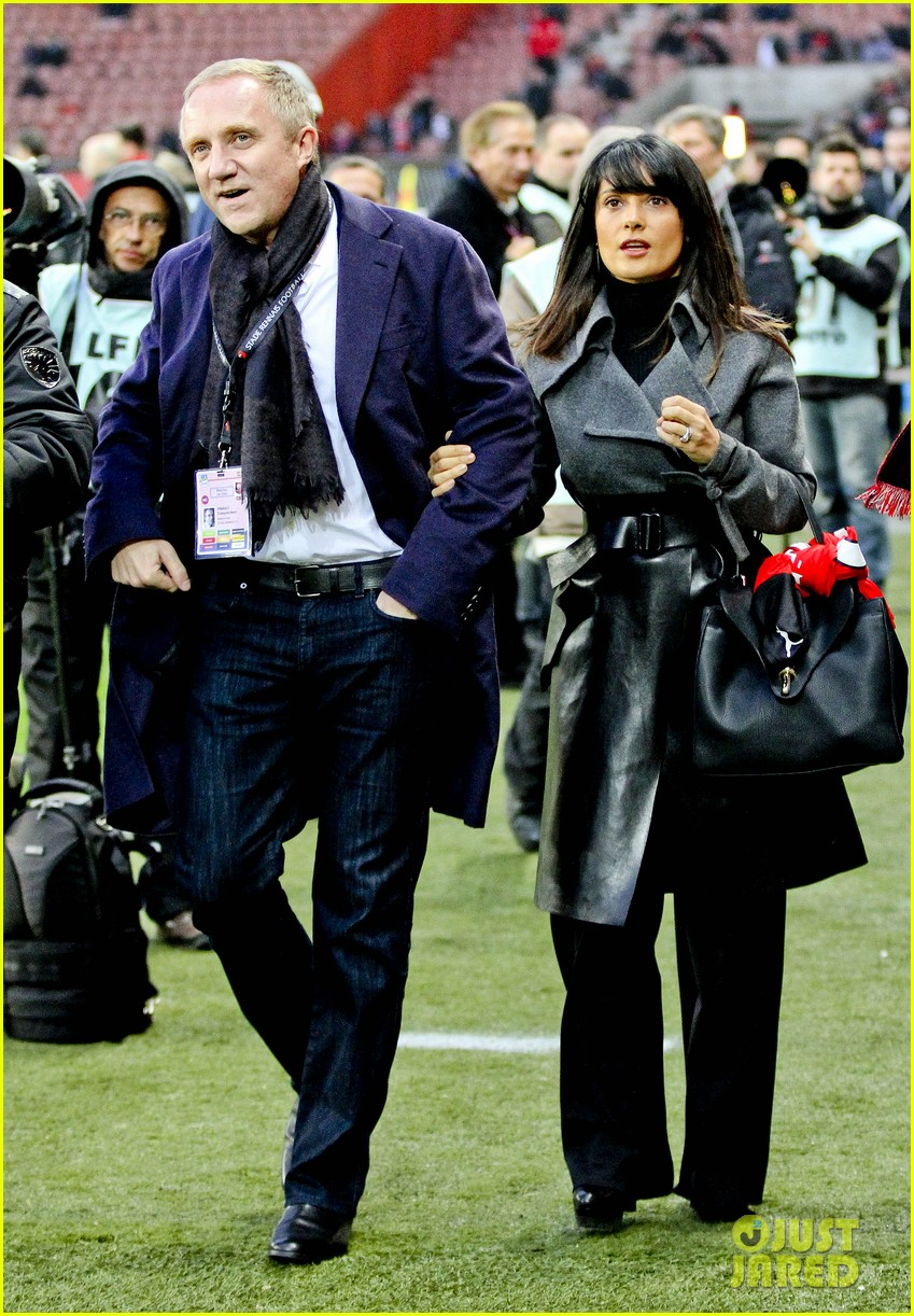 salma hayek french first league soccer fan 032759933