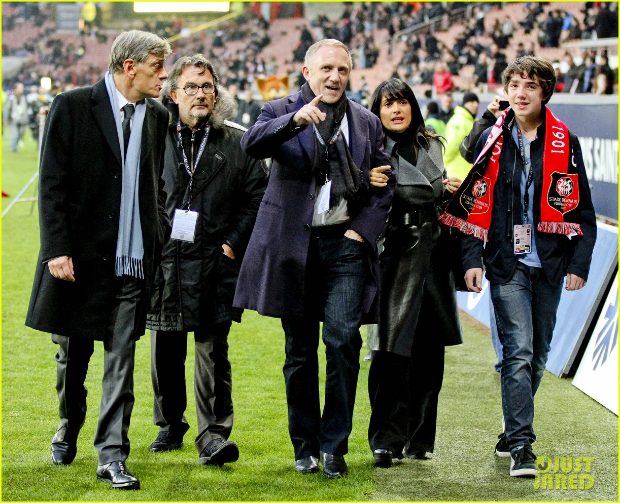 salma hayek french first league soccer fan 052759935