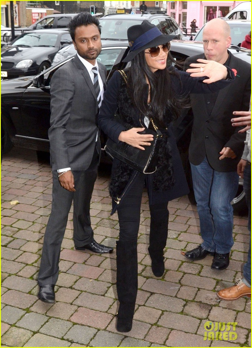 nicole scherzinger amy childs salon beauty 05