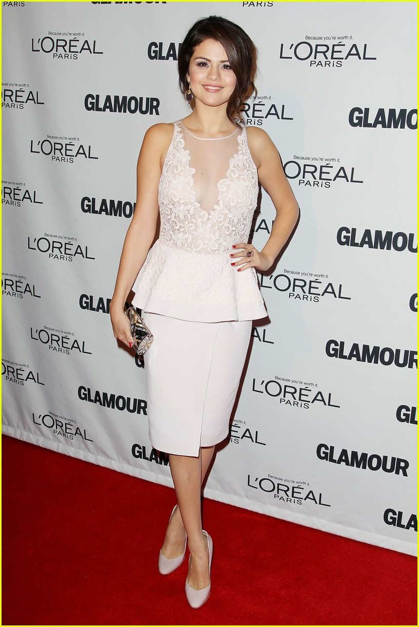 selena gomez glamour women of the year awards 032756147