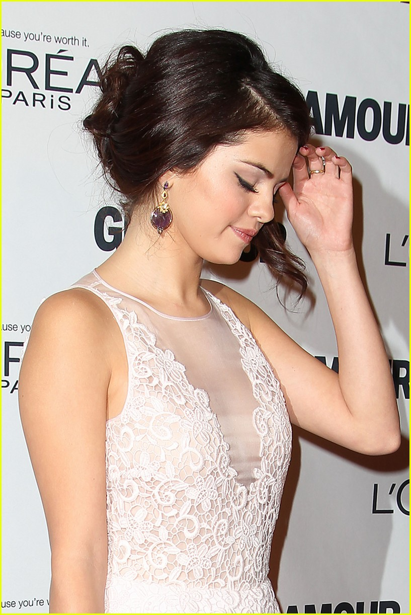 selena gomez glamour women of the year awards 072756151