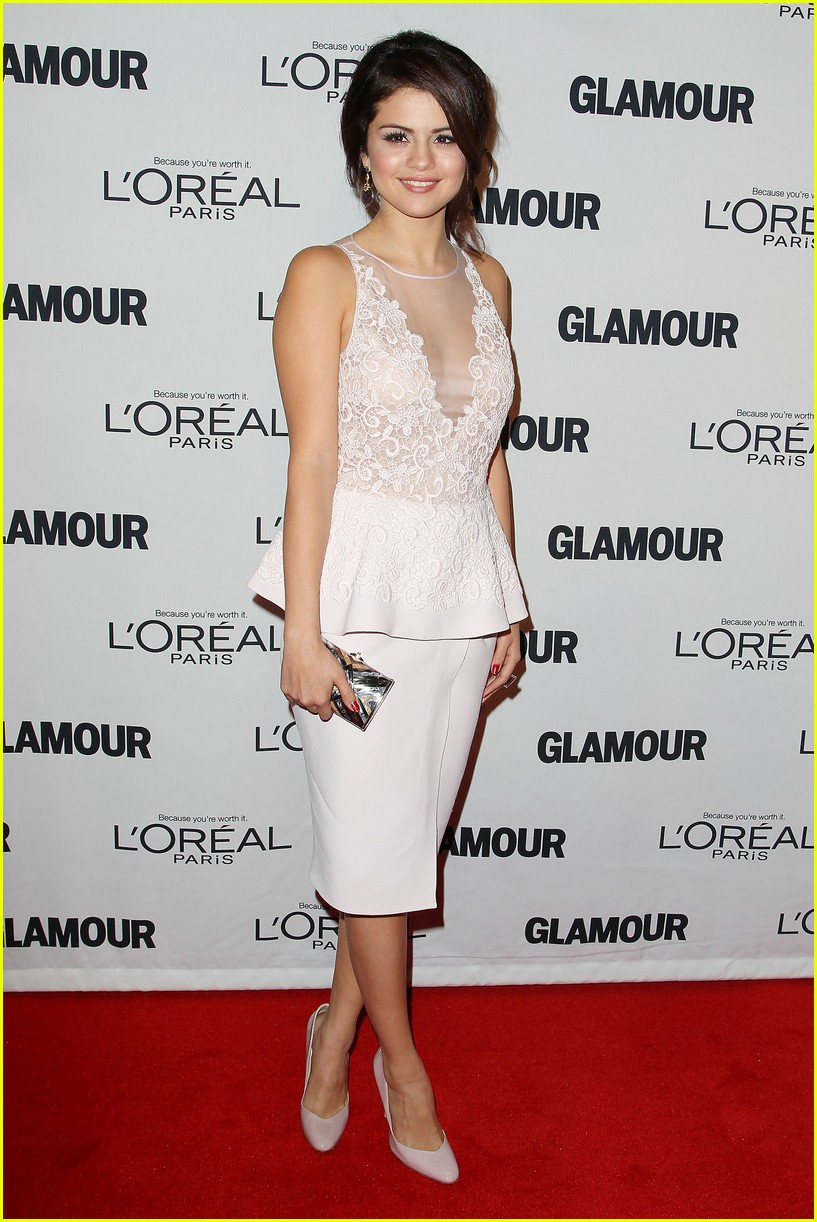 selena gomez glamour women of the year awards 102756154