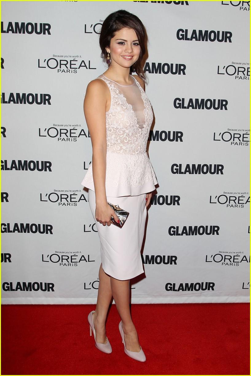 selena gomez glamour women of the year awards 112756155