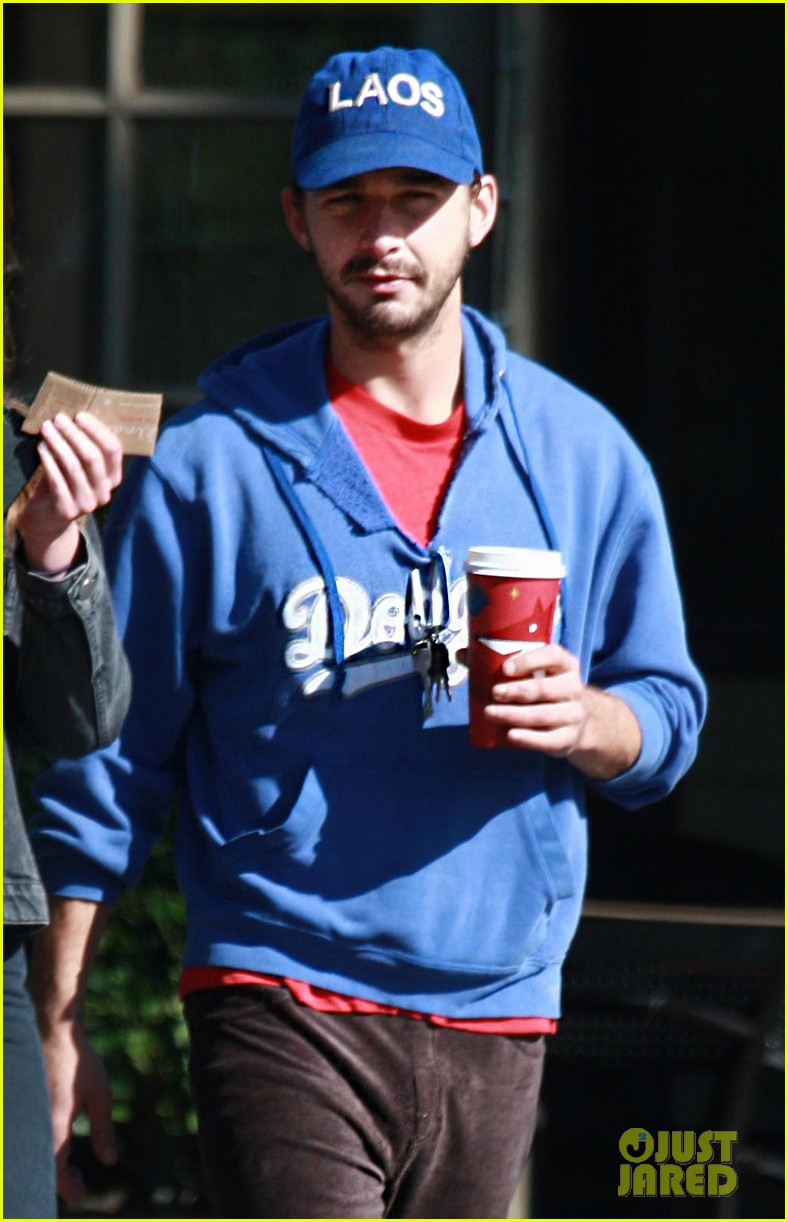 shia labeouf mia goth thanksgiving 042762490