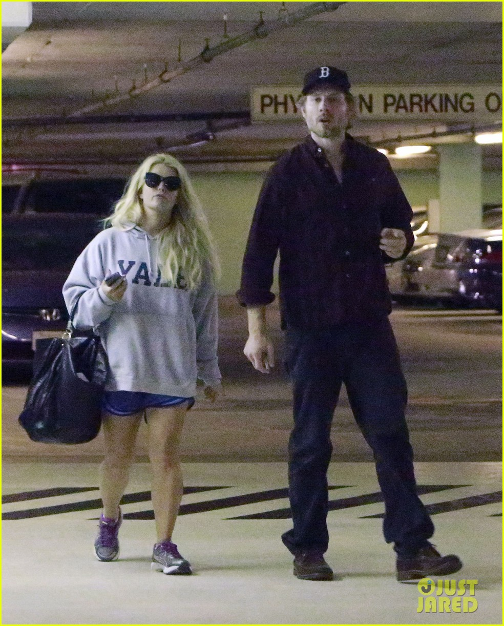 jessica simpson eric johnson hold hands in beverly hills 022754279