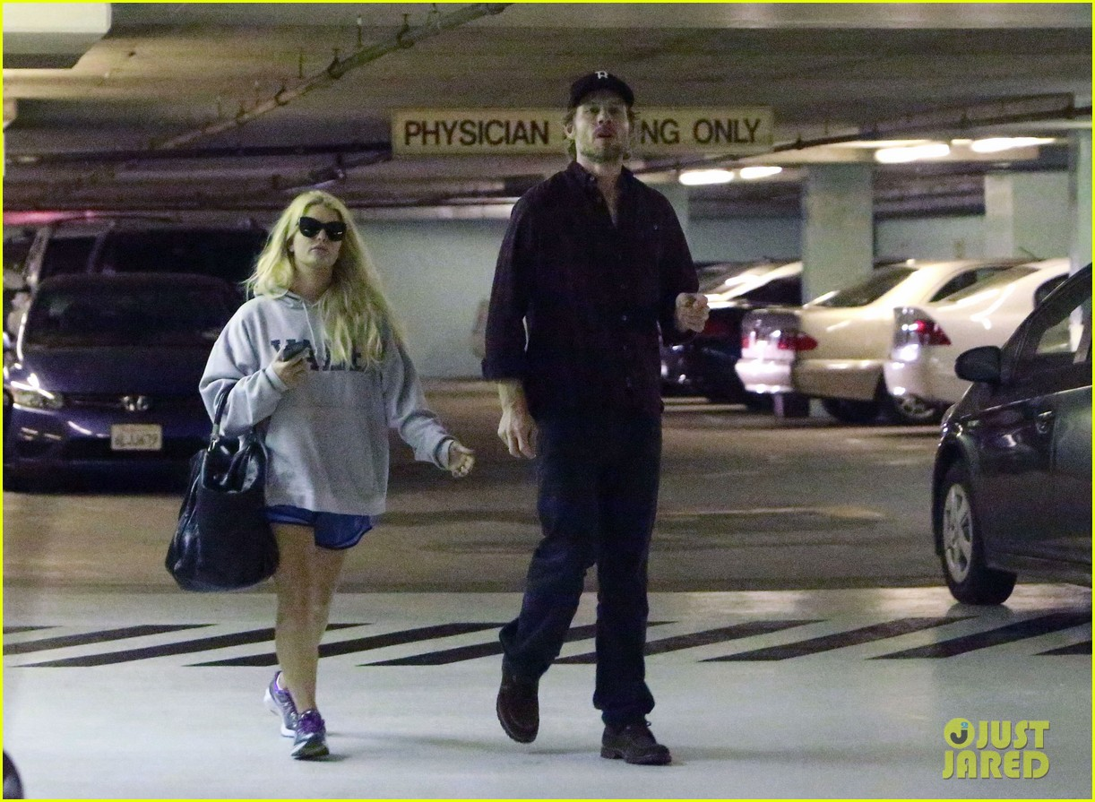jessica simpson eric johnson hold hands in beverly hills 032754280