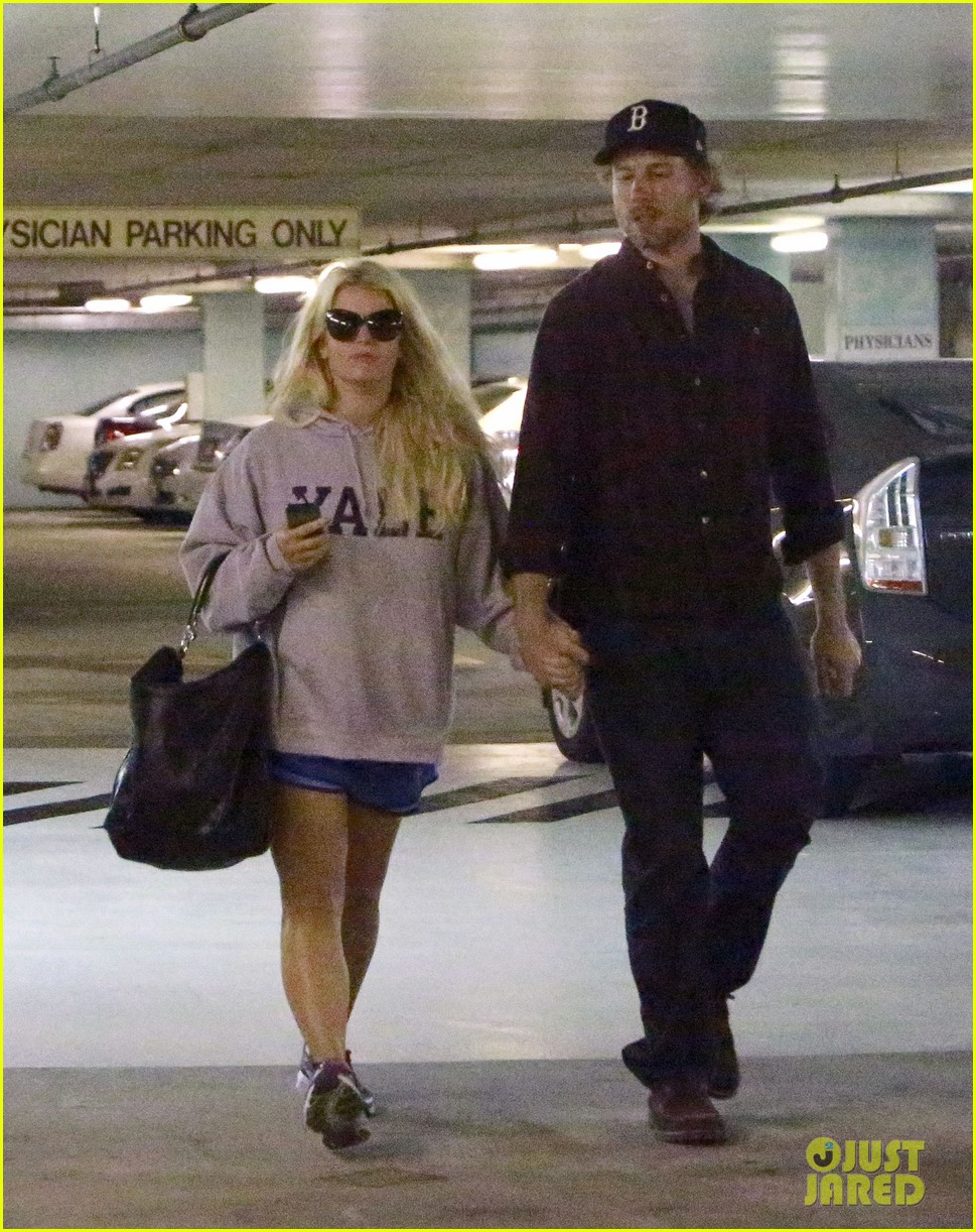 jessica simpson eric johnson hold hands in beverly hills 062754283