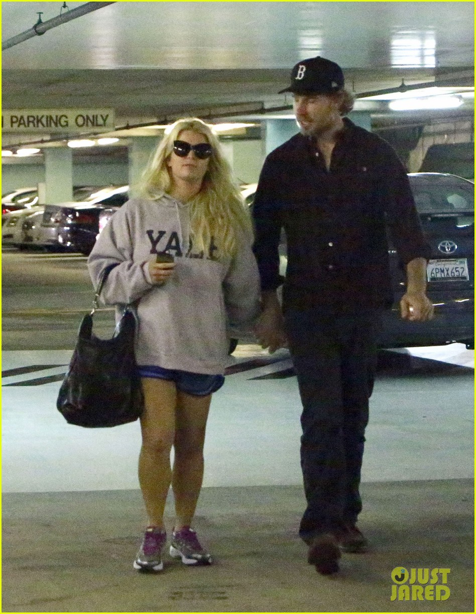 jessica simpson eric johnson hold hands in beverly hills 082754285