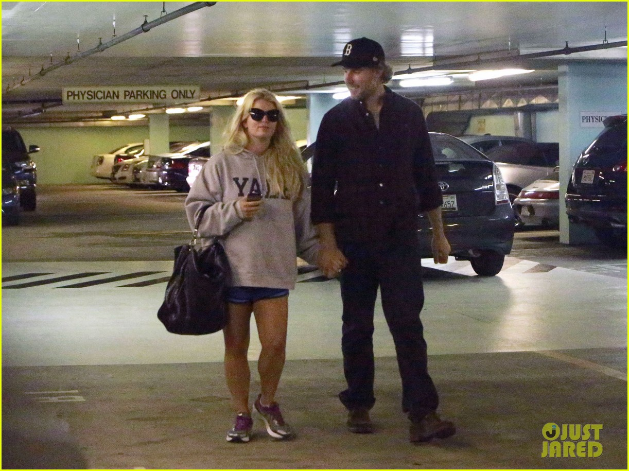 jessica simpson eric johnson hold hands in beverly hills 092754286