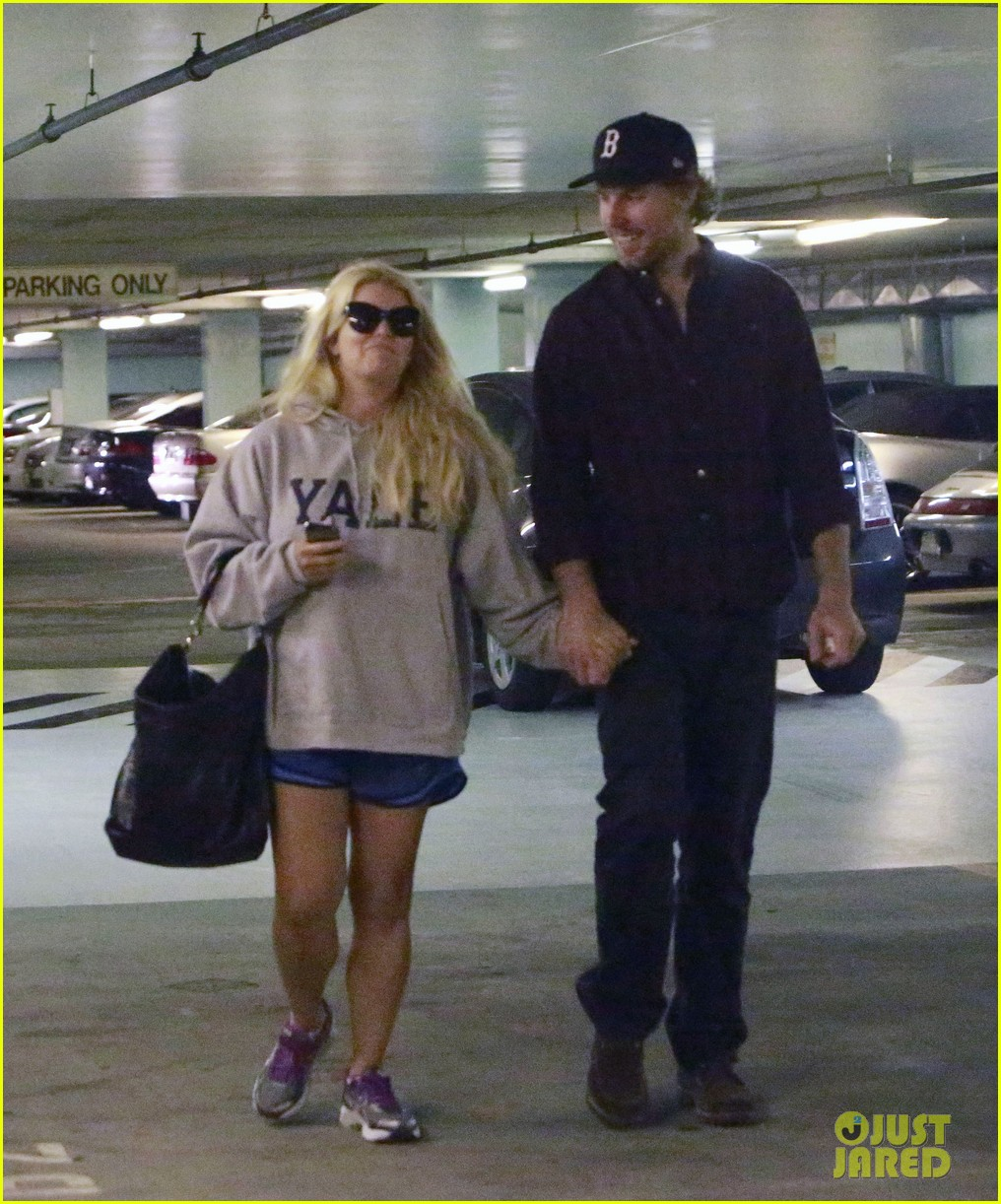 jessica simpson eric johnson hold hands in beverly hills 102754287