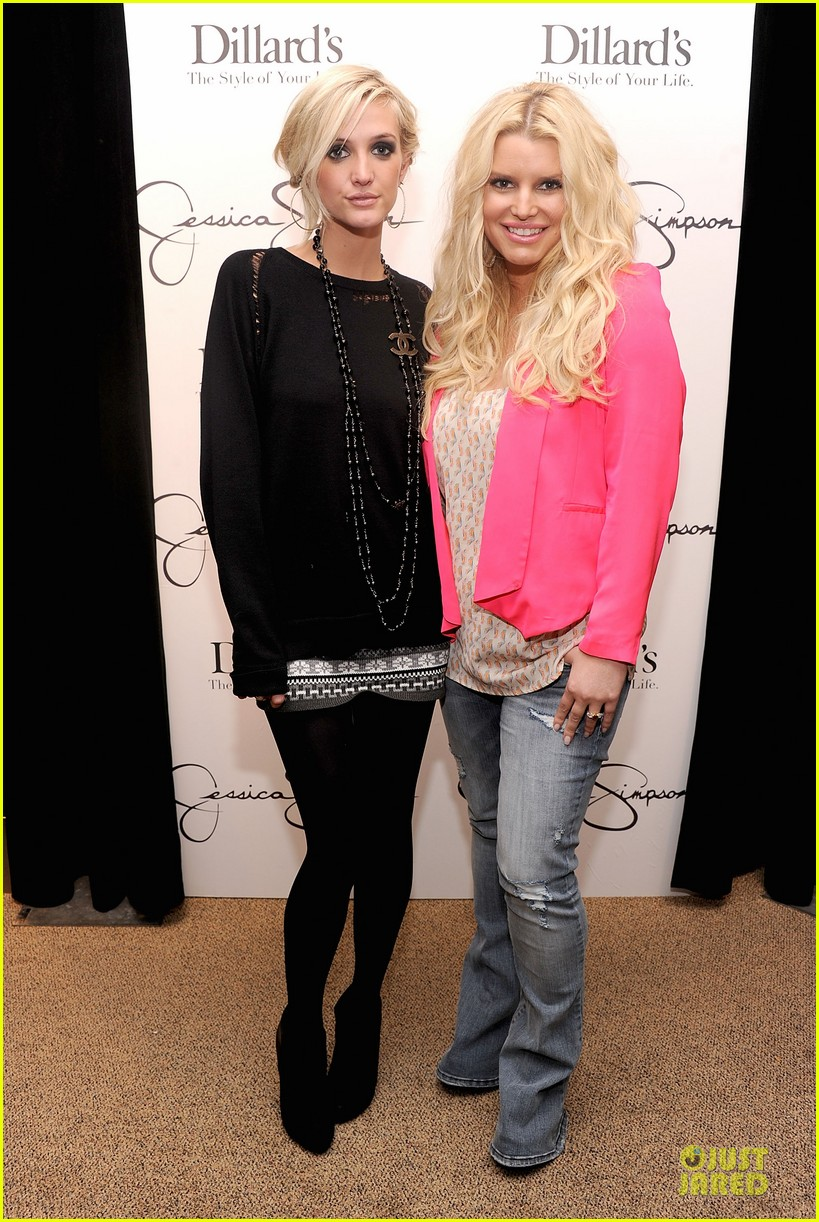jessica simpson ashlee simpson jessica simpson collection promotion in florida 012759597