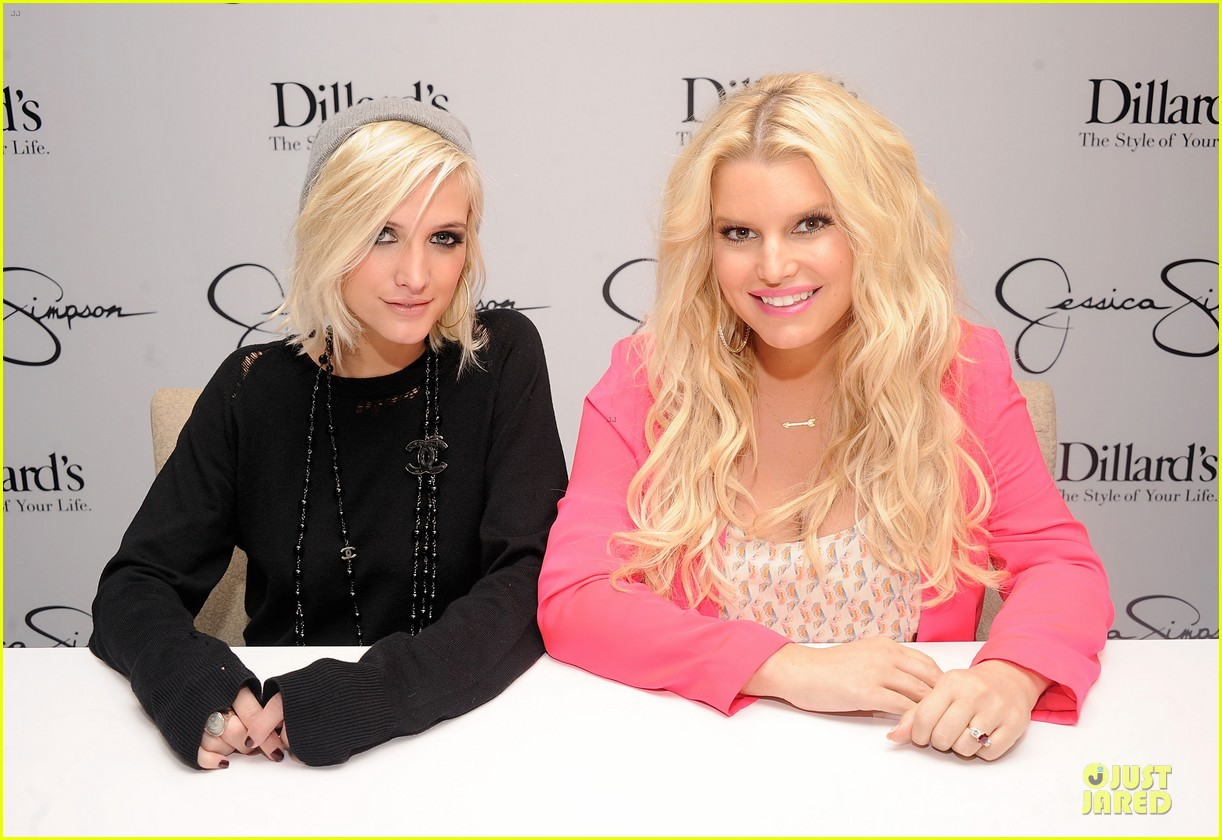 jessica simpson ashlee simpson jessica simpson collection promotion in florida 022759598