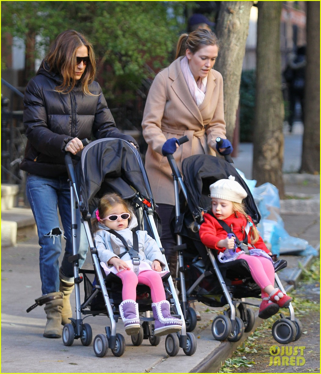 sarah jessica parker brisk morning walk with the kids 052754242