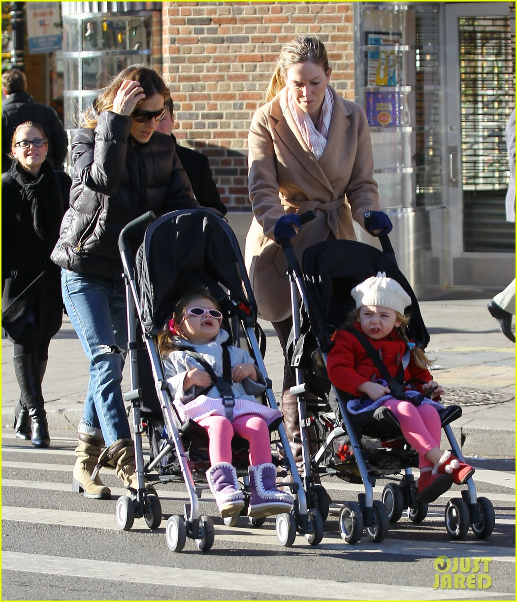 sarah jessica parker brisk morning walk with the kids 062754243