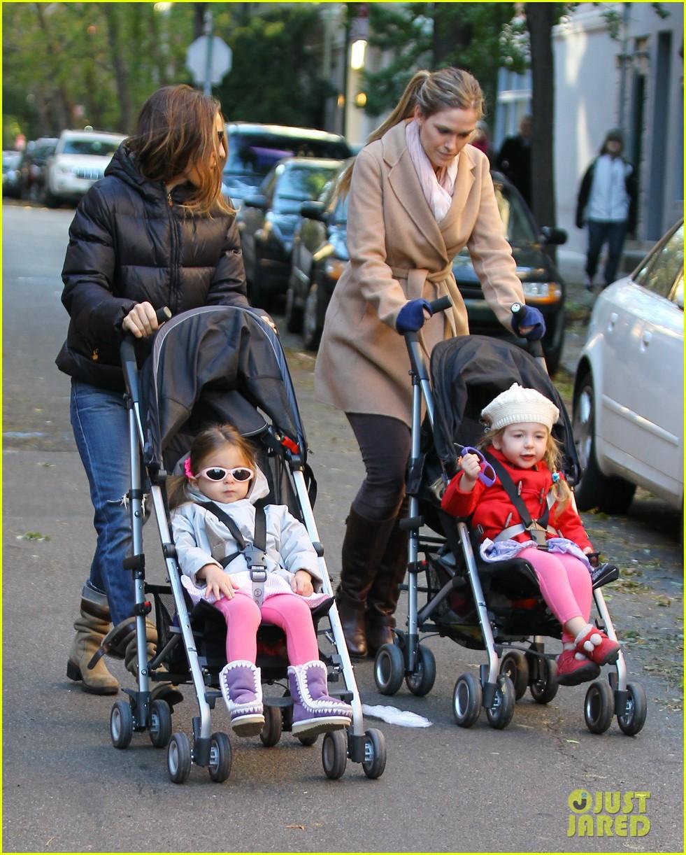 sarah jessica parker brisk morning walk with the kids 132754250