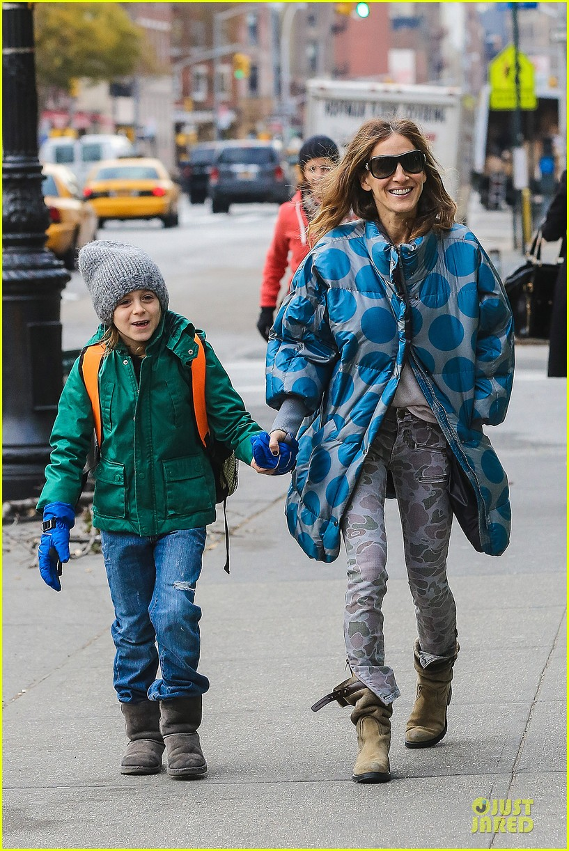 sarah jessica parker gives back to hurricane sandy victims 012760978