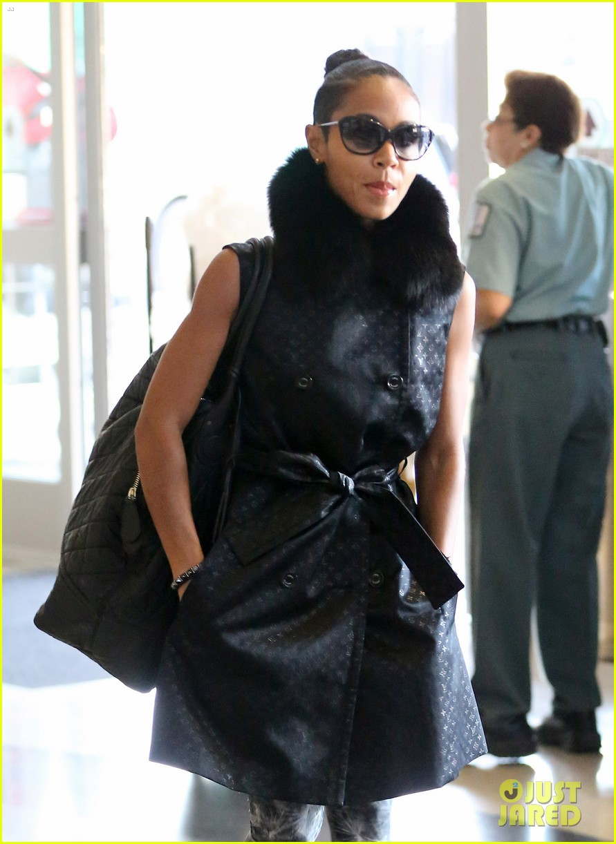 jada pinkett smith lax departure with willow jaden 08