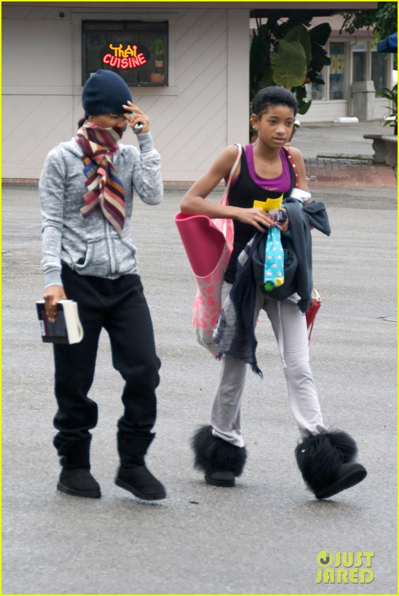 willow smith yoga class cutie 012753942