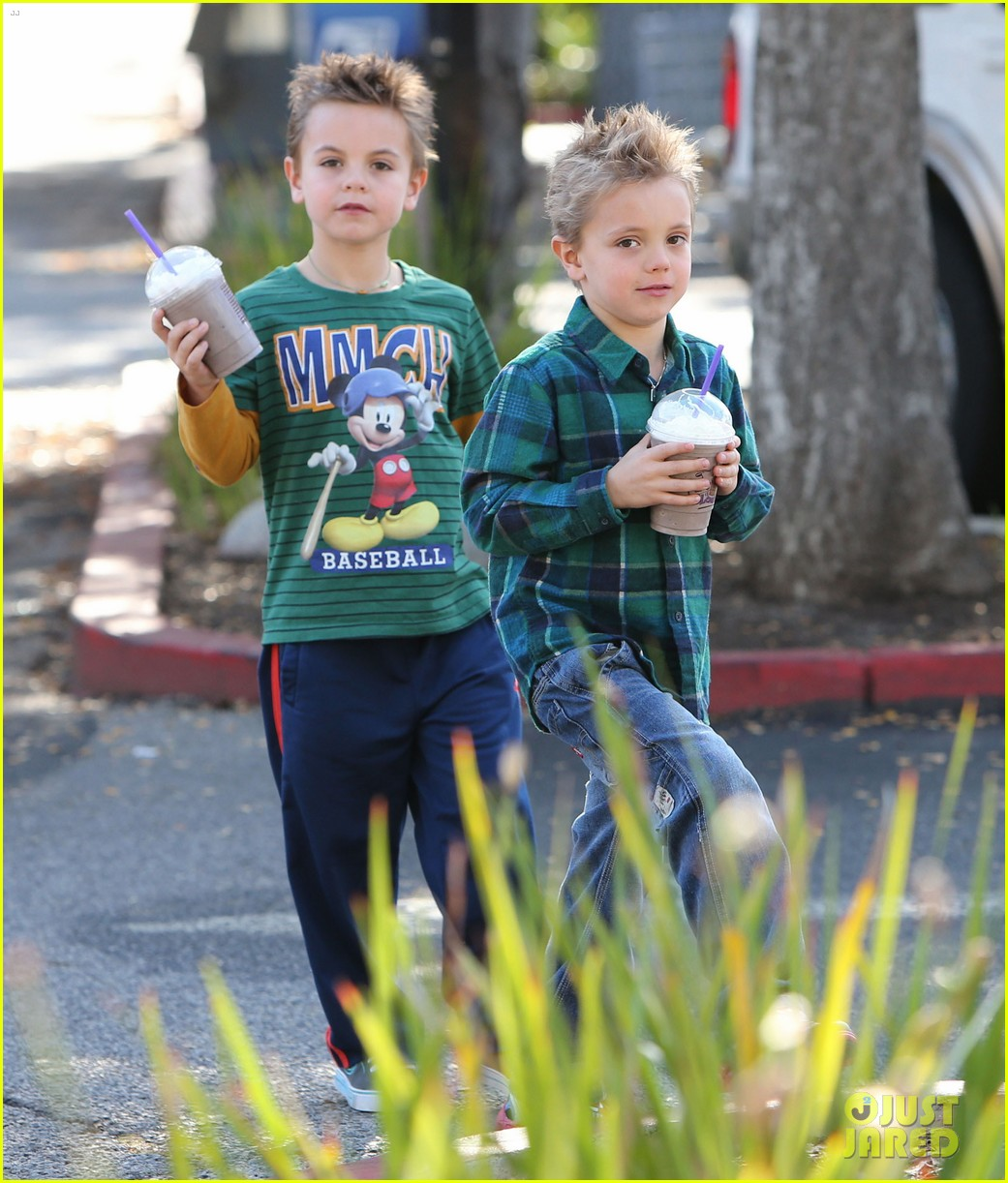 britney spears coffee bean with sean preston jayden james 23
