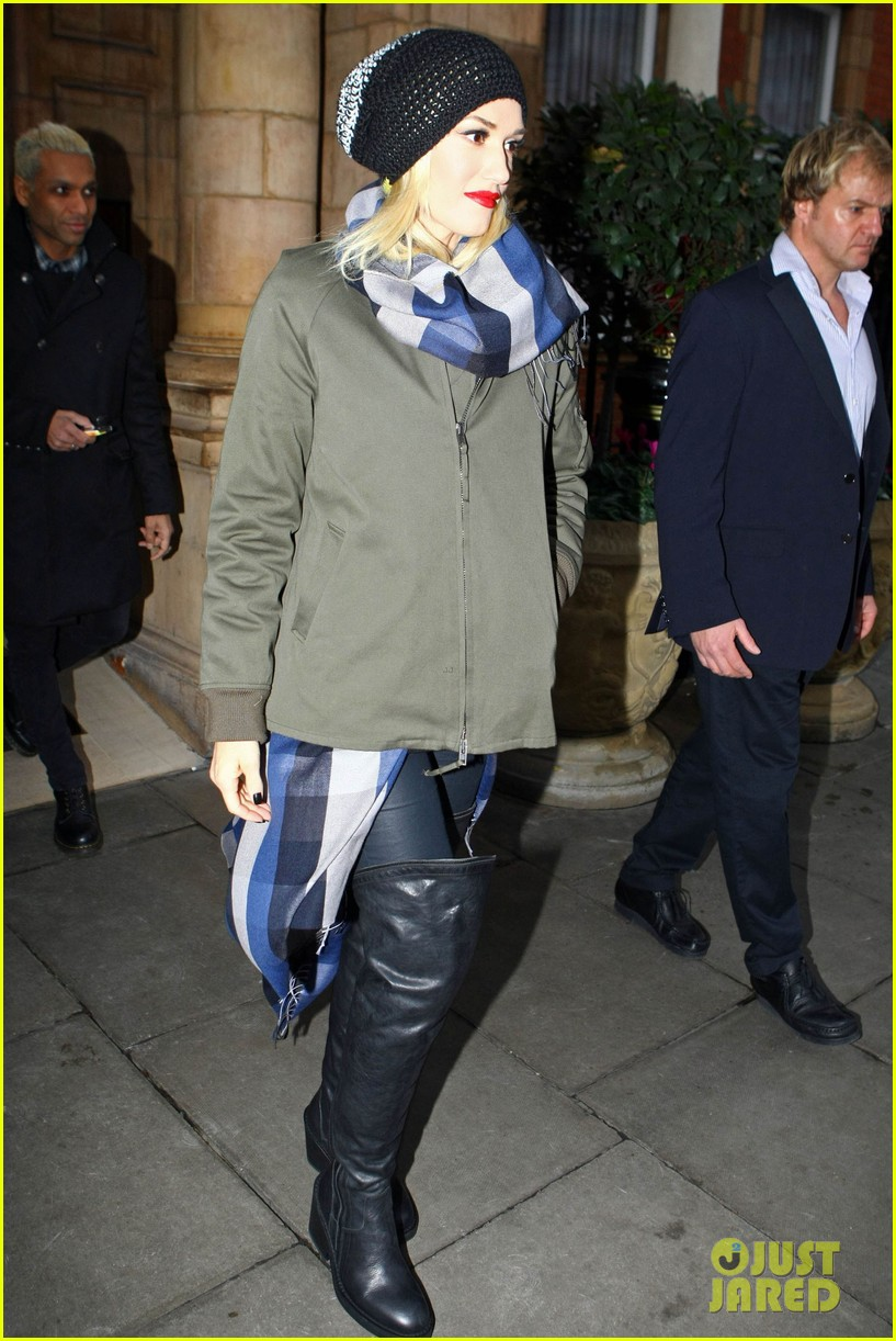gwen stefani headed to x factor with batman zuma 04