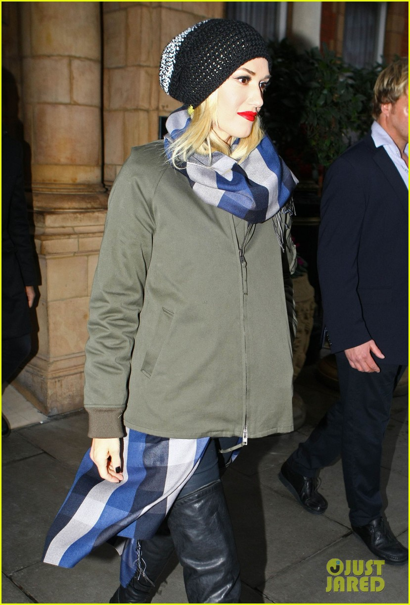 gwen stefani headed to x factor with batman zuma 102751016
