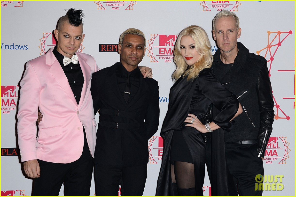 gwen stefani no doubt mtv emas 2012 red carpet 04