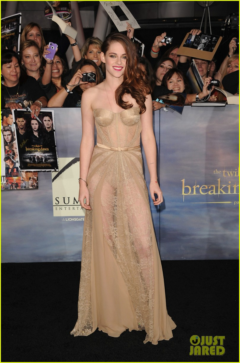 kristen stewart robert pattinson twilight breaking dawn part 2 premiere 02