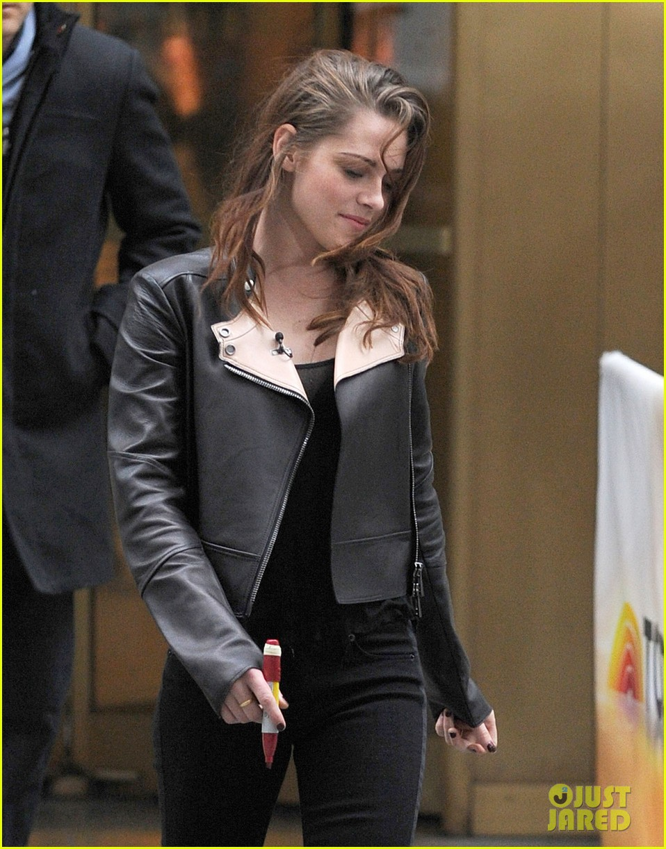 kristen stewart i could do five more years of twilight 062752542