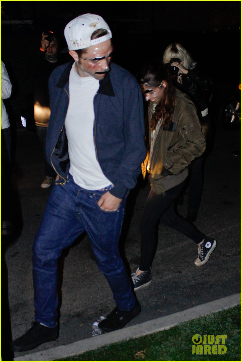 kristen stewart robert pattinson halloween party pair 092749325