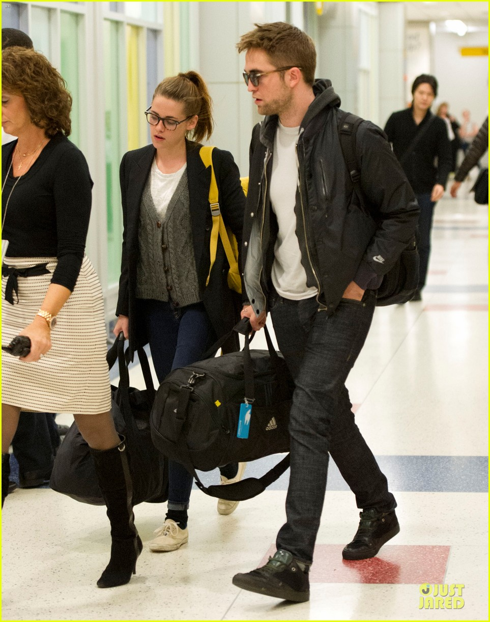 kristen stewart robert pattinson day after thanksgiving traveling 012763015