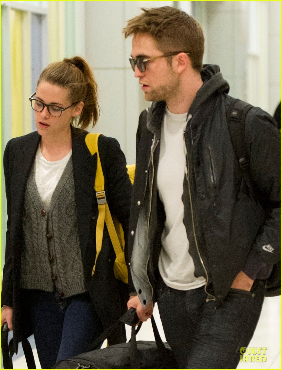 kristen stewart robert pattinson day after thanksgiving traveling 04