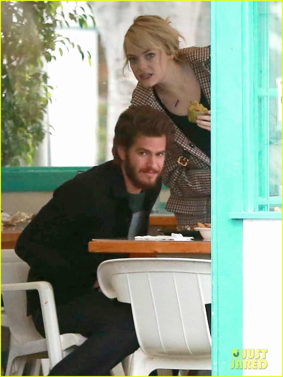 emma stone andrew garfield funny faces at photogs 032754112
