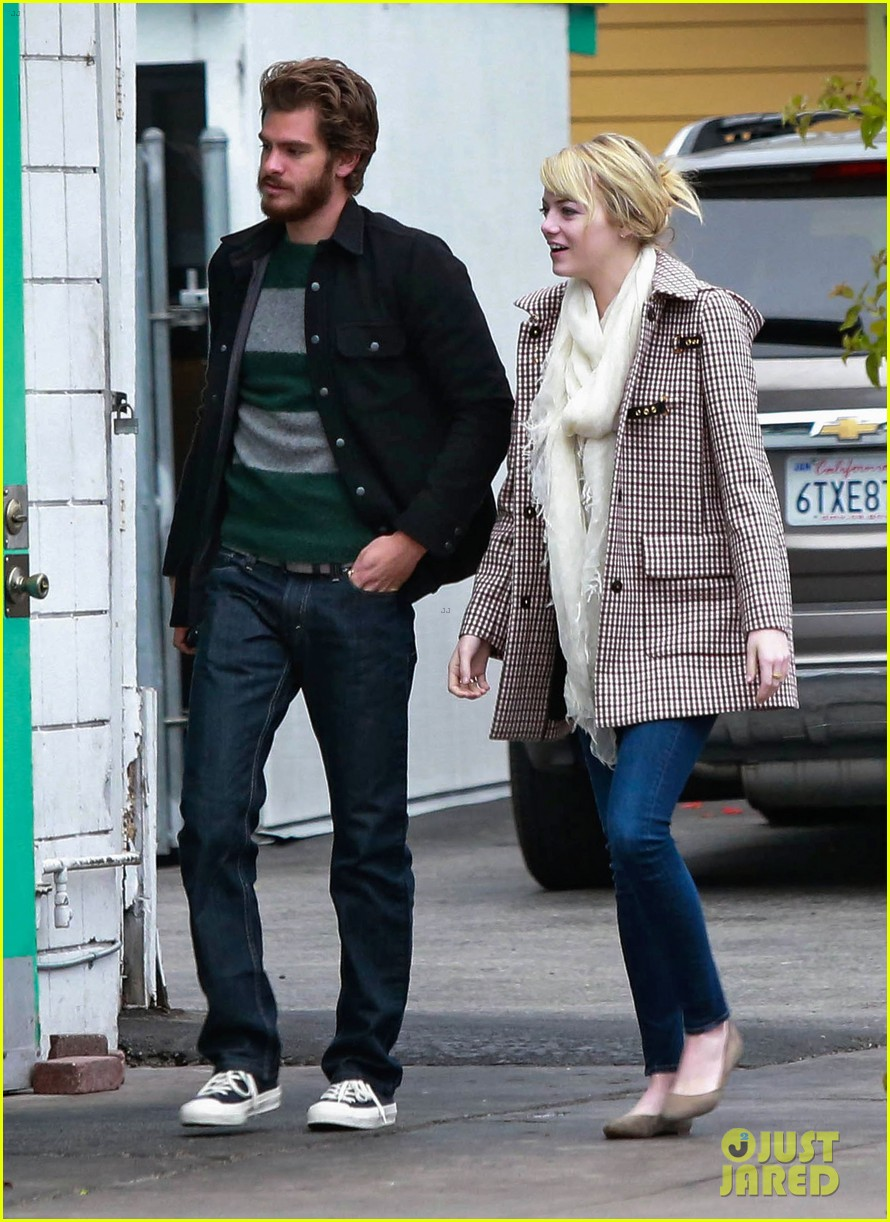 emma stone andrew garfield funny faces at photogs 062754115