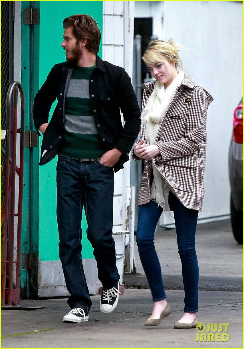 emma stone andrew garfield funny faces at photogs 072754116