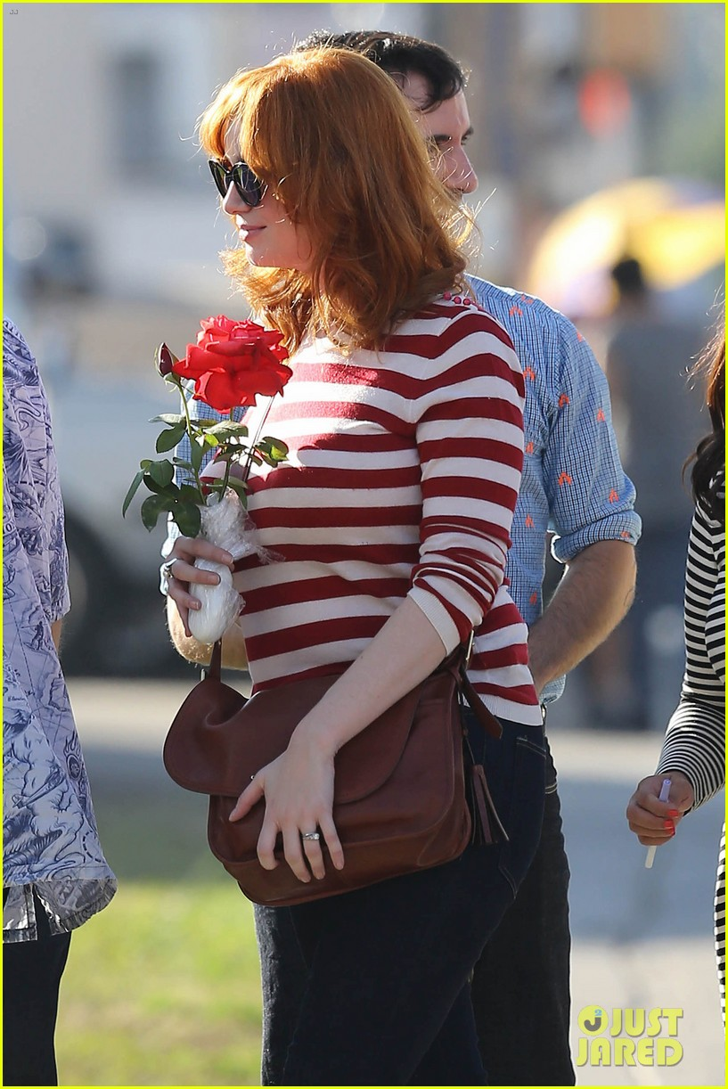 emma stone andrew garfield cemetary of the stars tour 042750678