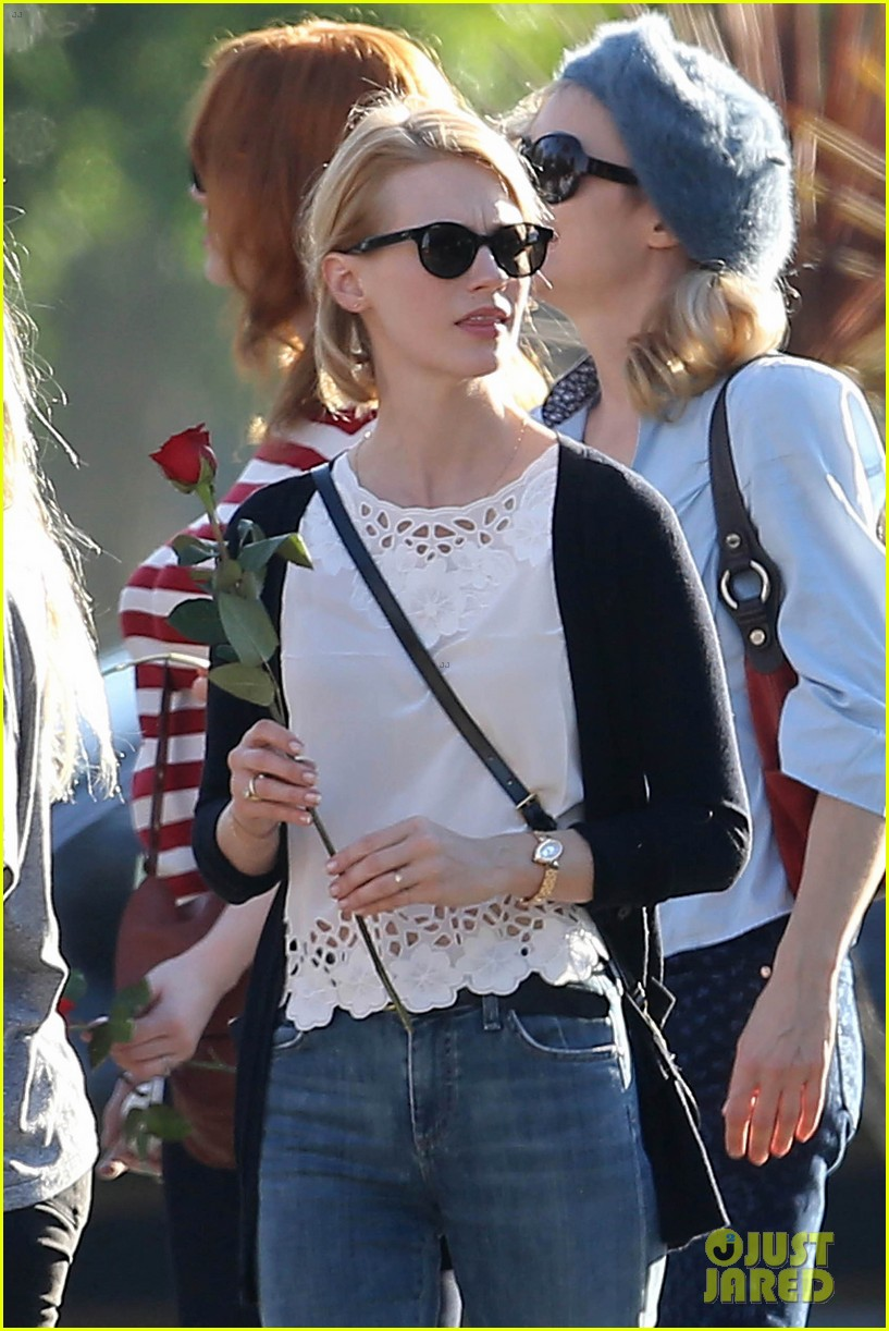 emma stone andrew garfield cemetary of the stars tour 112750685