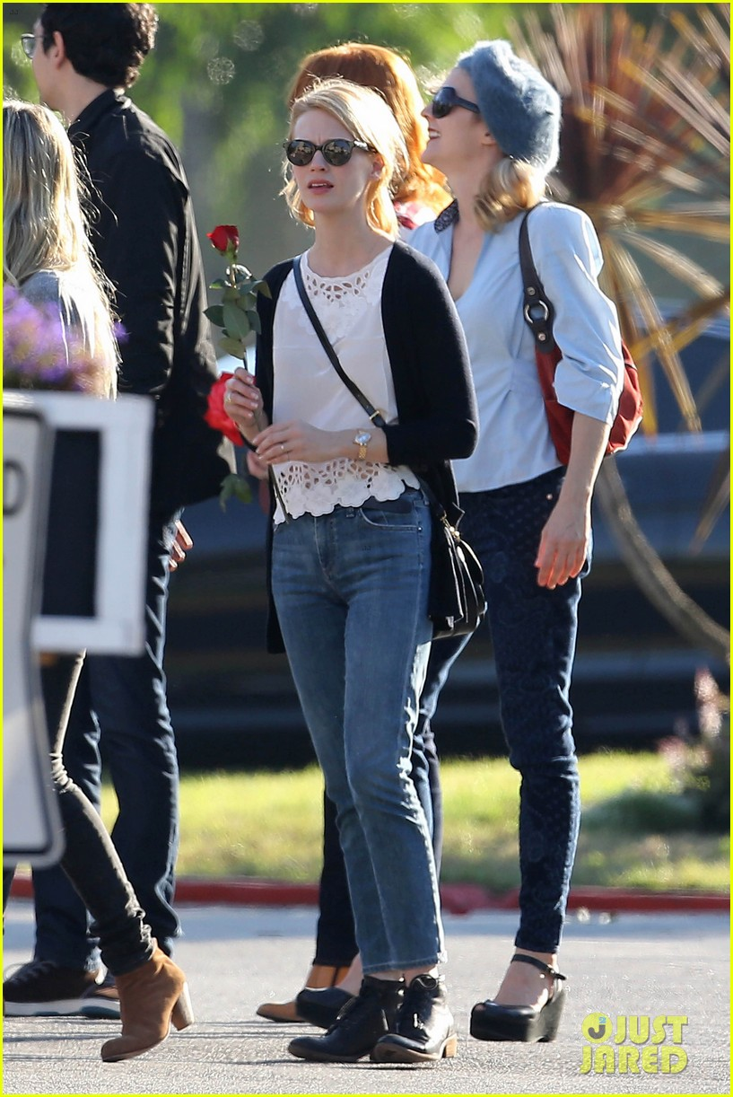 emma stone andrew garfield cemetary of the stars tour 182750692