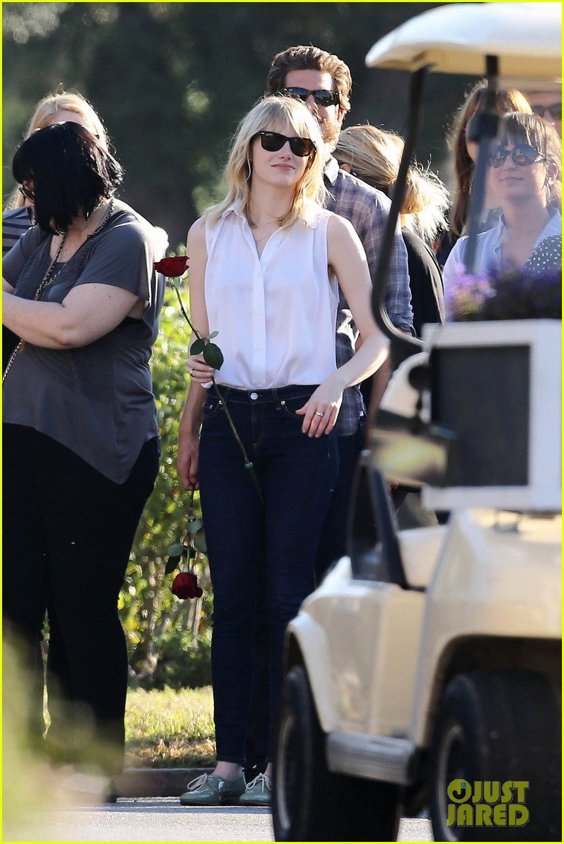 emma stone andrew garfield cemetary of the stars tour 302750704