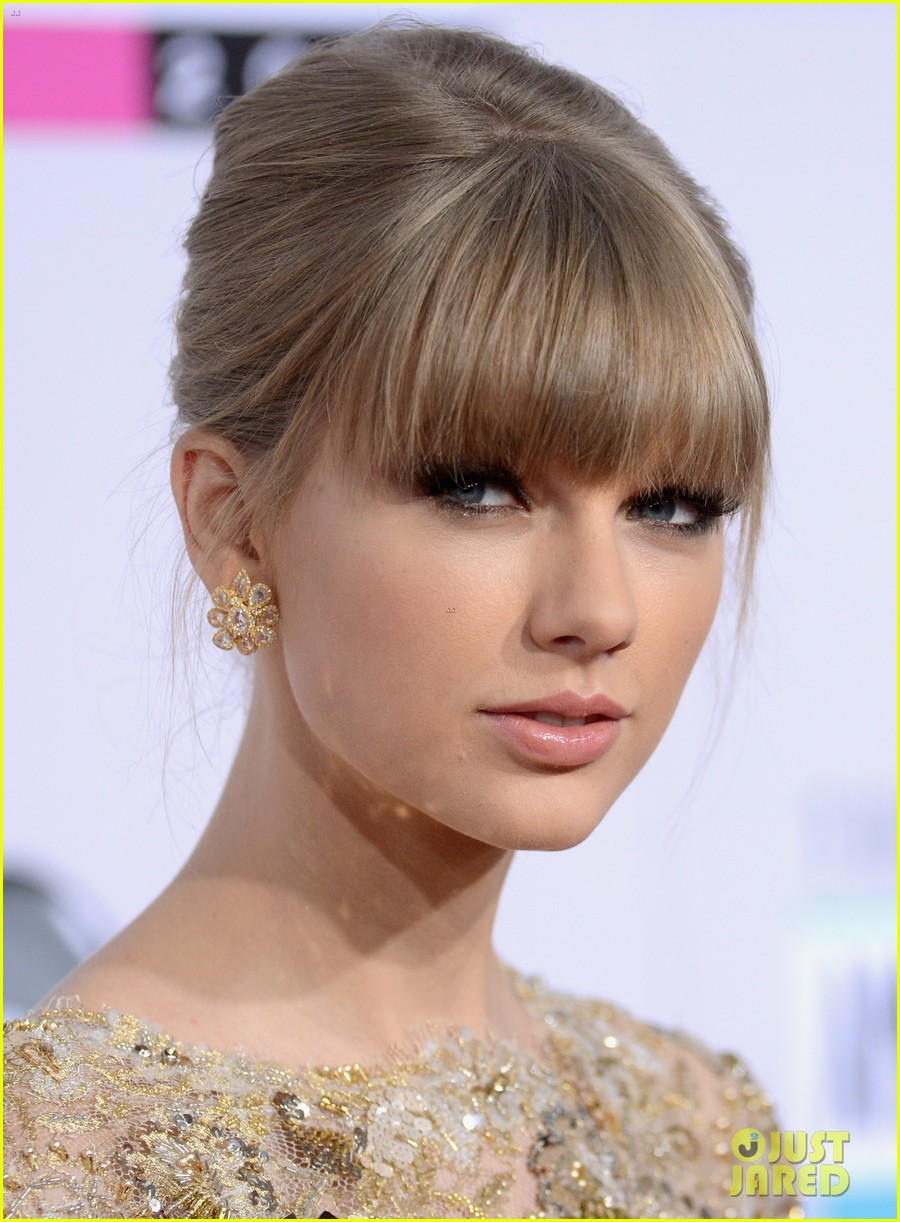 taylor swift amas 2012 red carpet 05