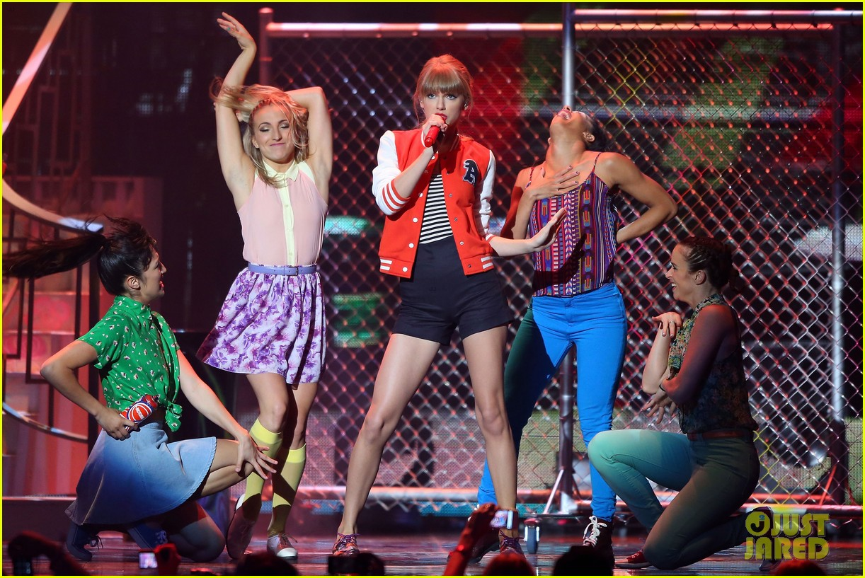 taylor swift i knew you were trouble at 2012 arias watch now 012765939