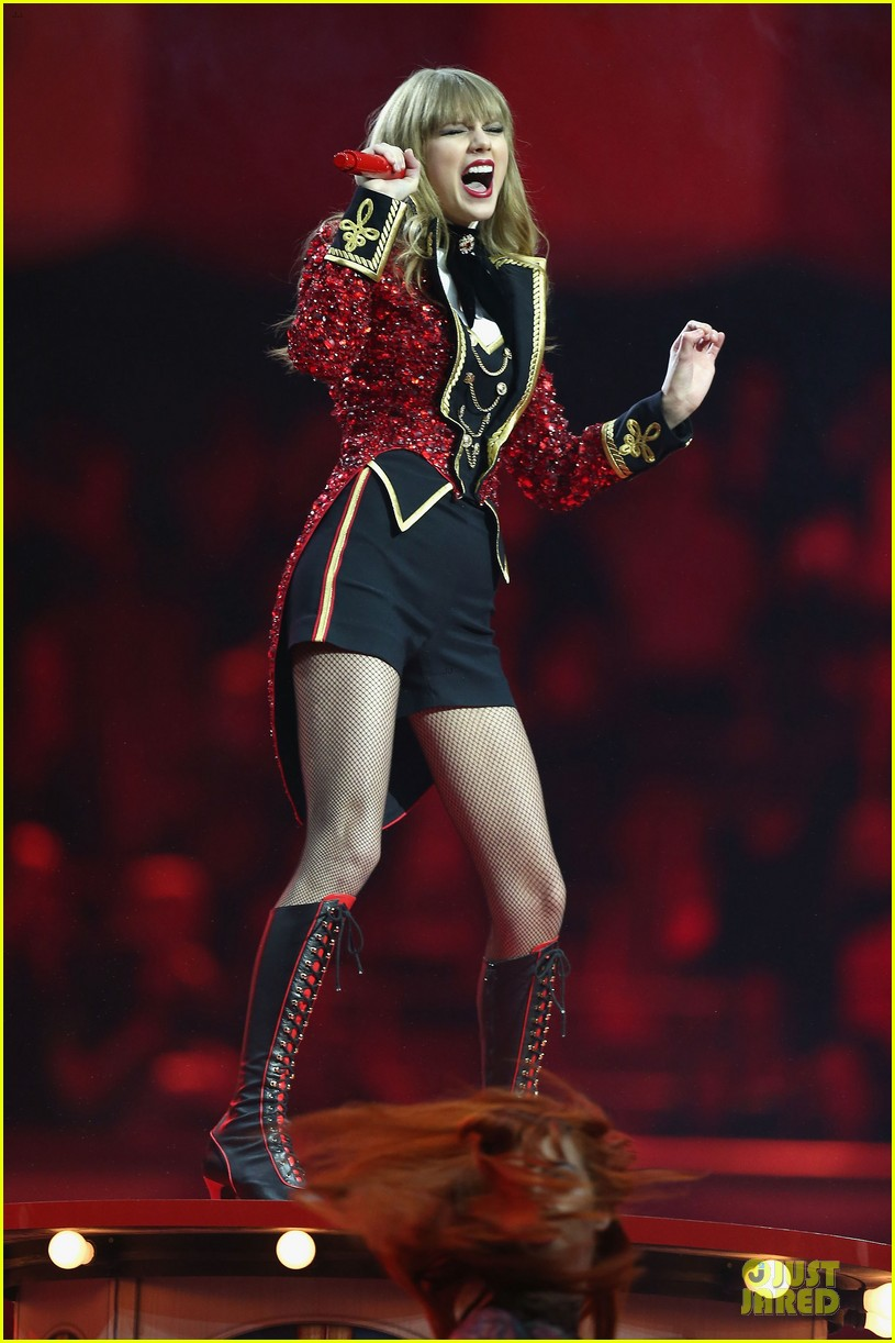 taylor swift mtv emas performance watch now 142755463