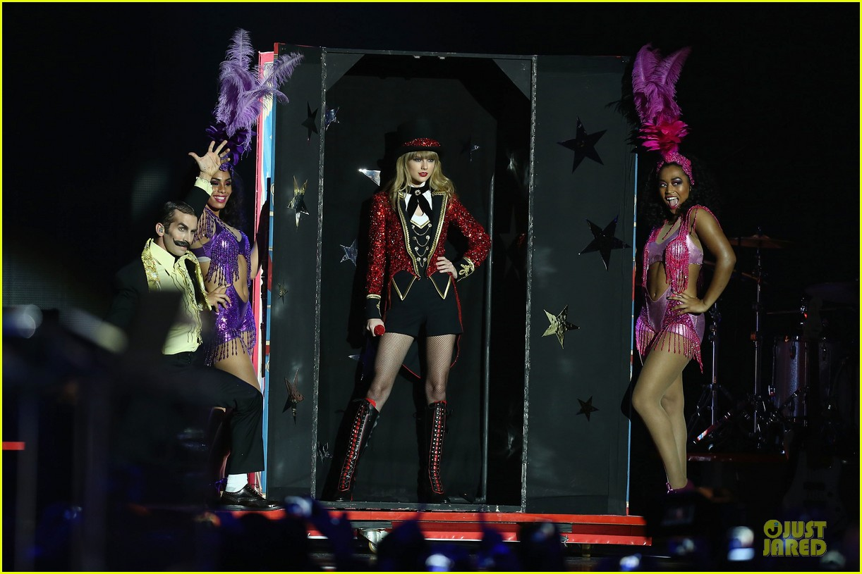 taylor swift mtv emas performance watch now 15
