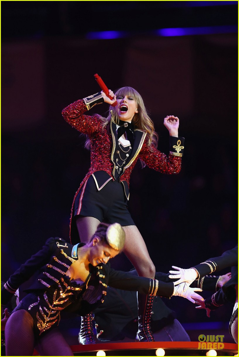 taylor swift mtv emas performance watch now 162755465