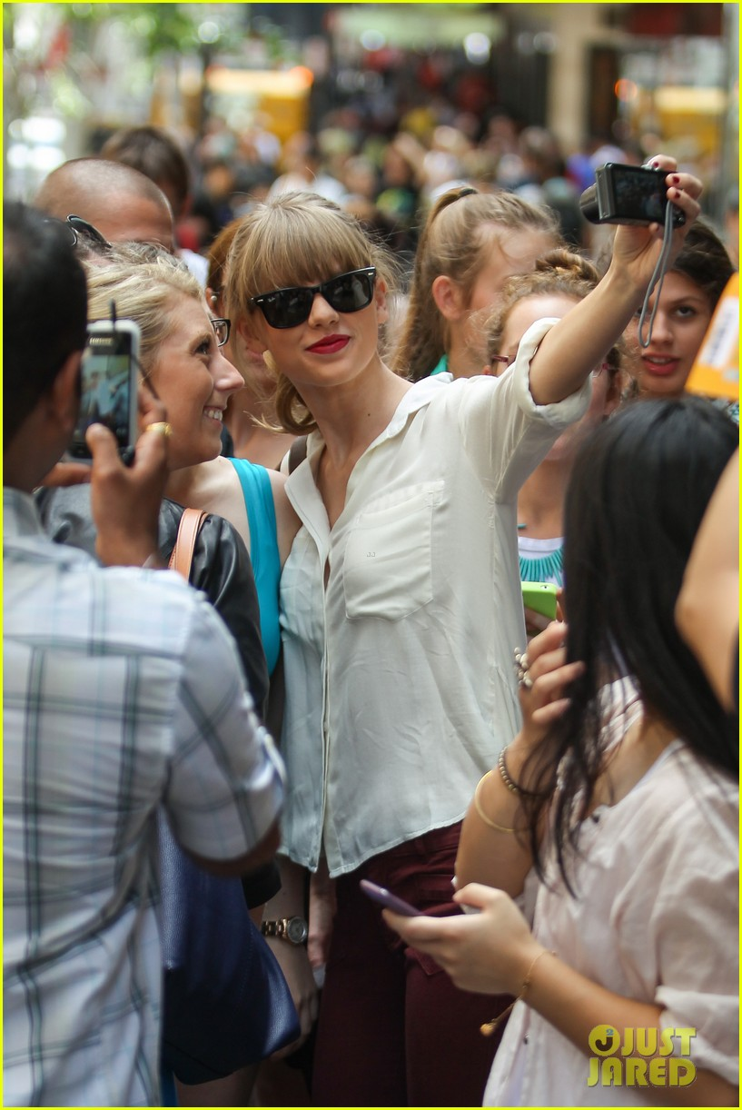 taylor swift shopping in sydney 042763581