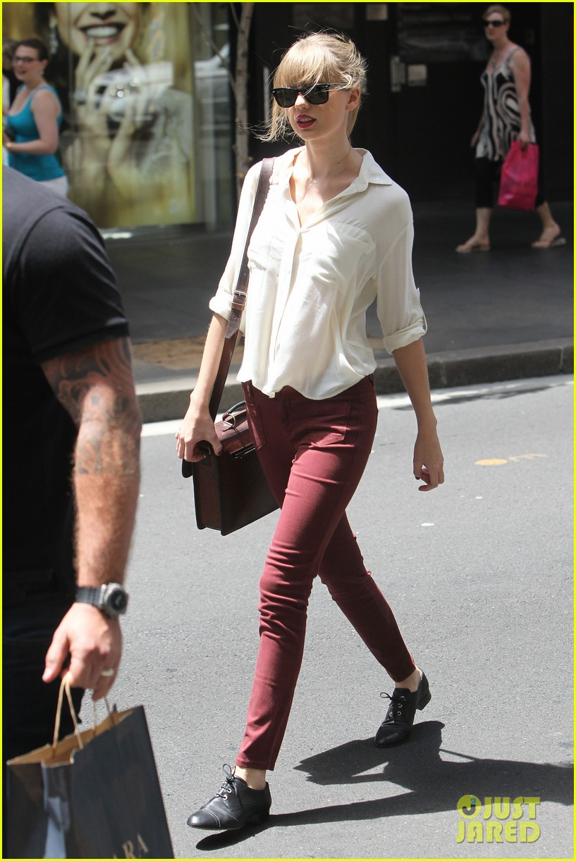 taylor swift shopping in sydney 23